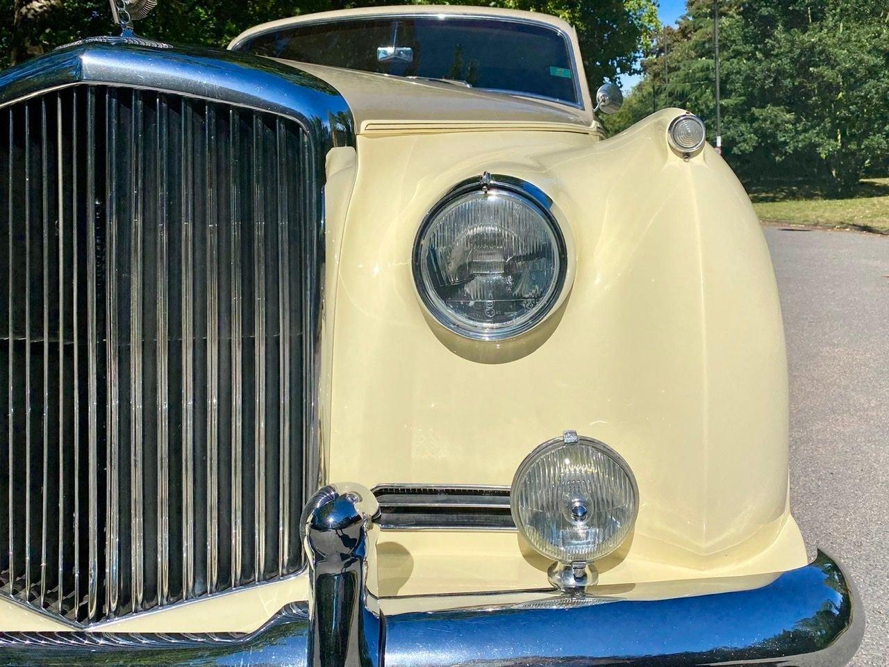 1958 Bentley S1 4 door saloon by James Young For Sale (picture 18 of 24)