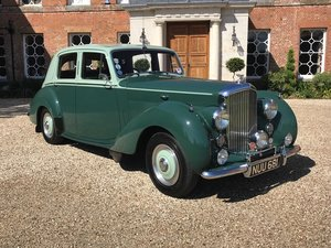 1953 R type Bentley saloon manual gearbox For Sale