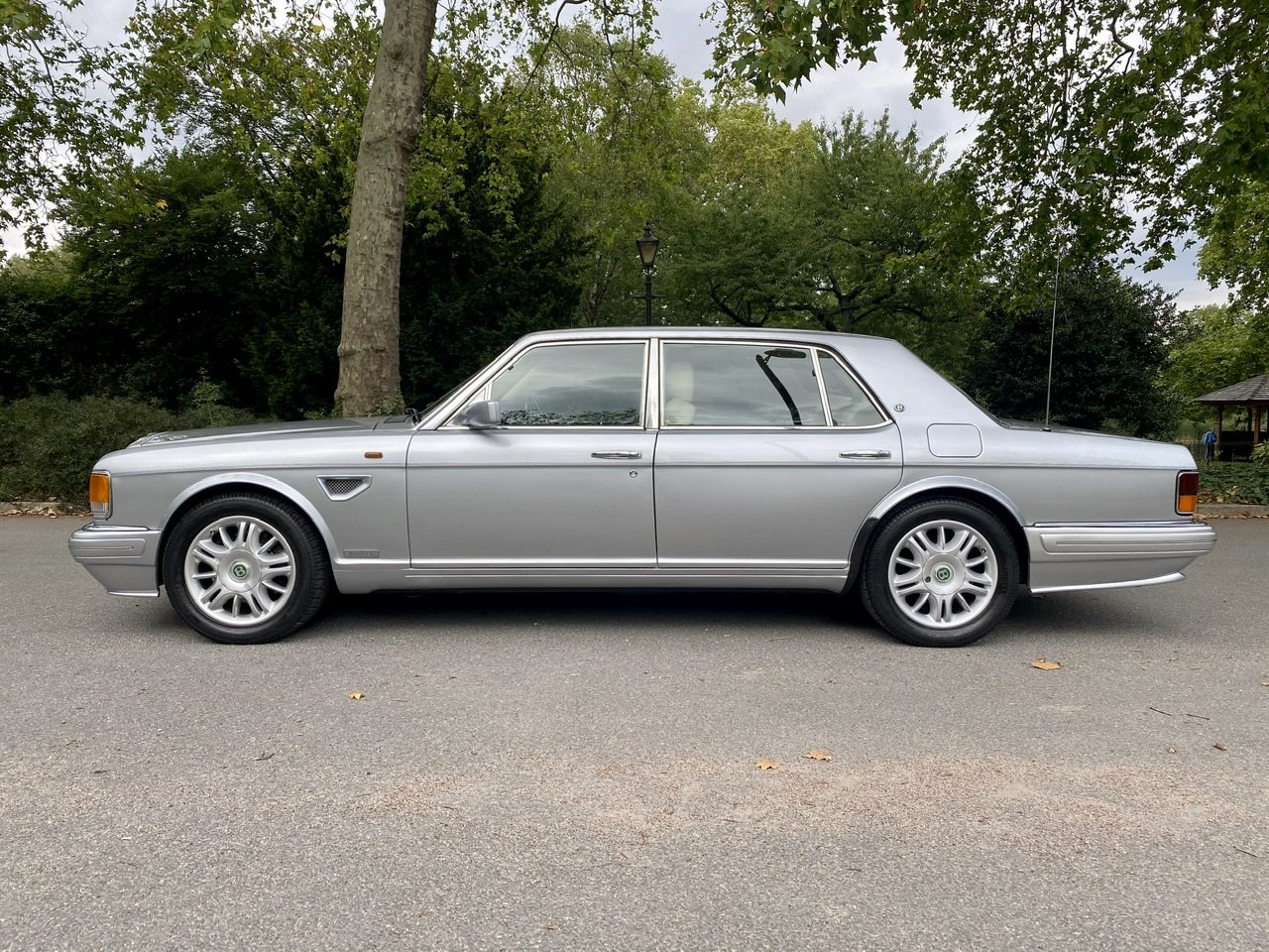 1998 Bentley Brooklands 'R' Mulliner For Sale (picture 5 of 22)