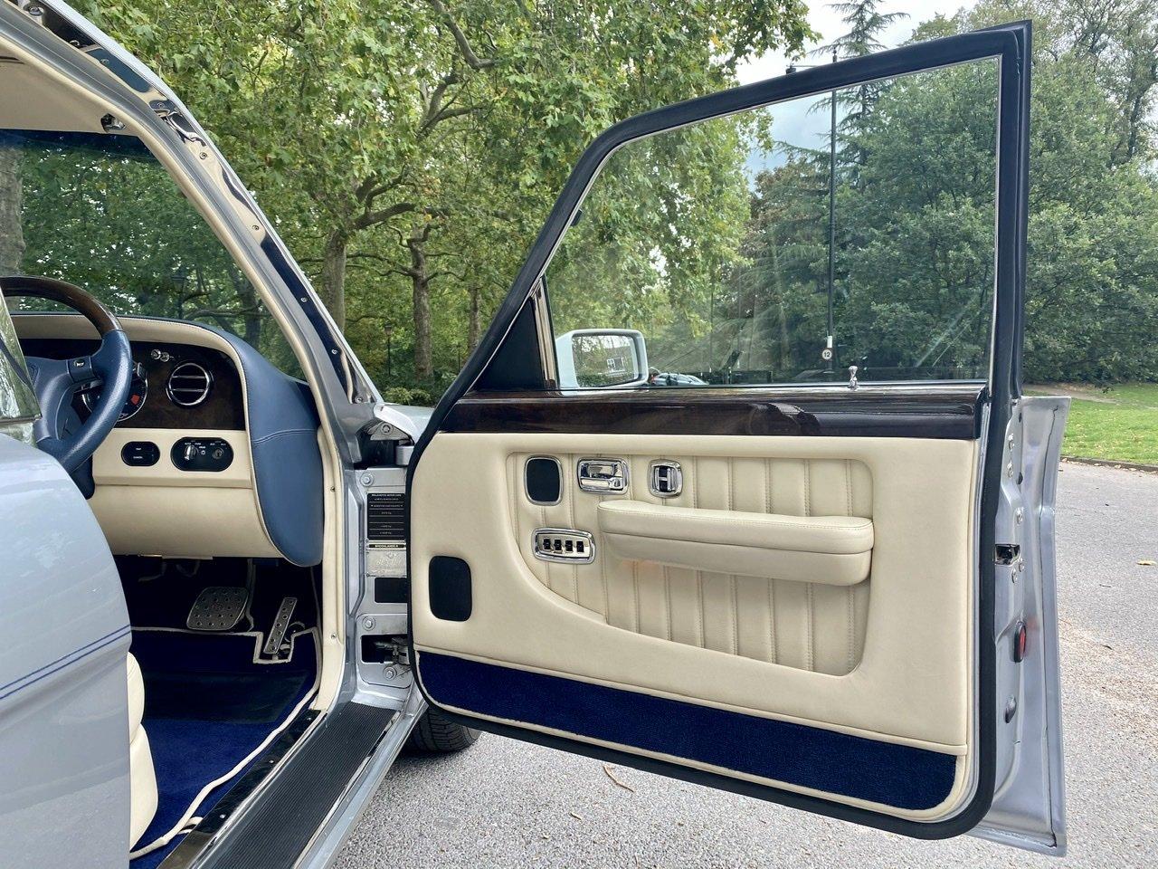 1998 Bentley Brooklands 'R' Mulliner For Sale (picture 15 of 22)