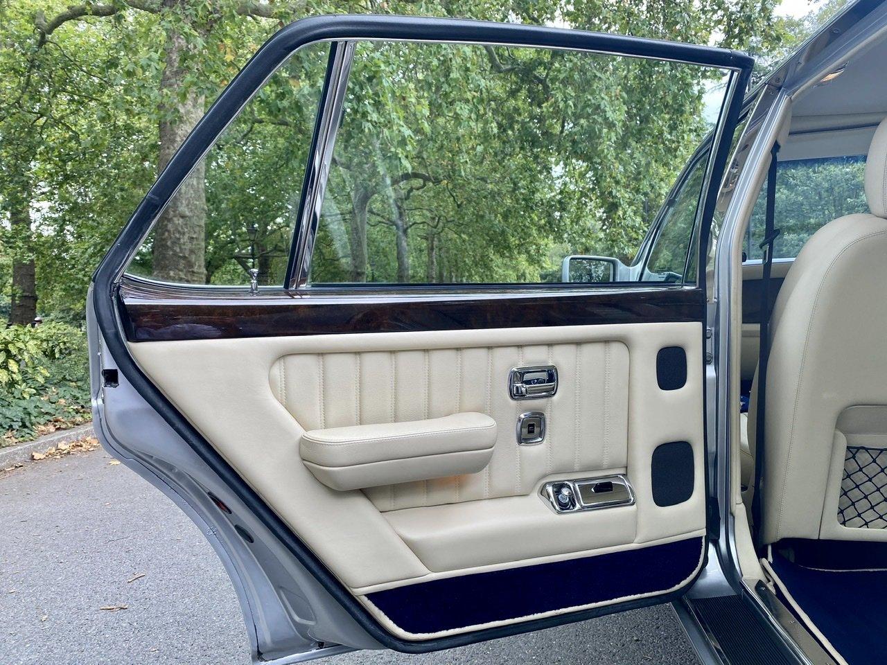 1998 Bentley Brooklands 'R' Mulliner For Sale (picture 19 of 22)