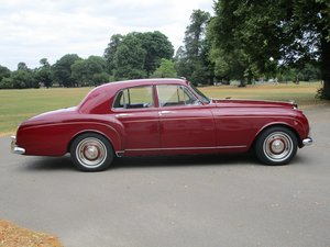 Bentley S2 Continental Four Light Flying Spur