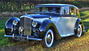 1948 Bentley Mk VI Freestone and Webb Razor Edge