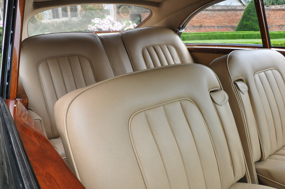1957 Restored (full body-off) Bentley S1 Fastback For Sale (picture 3 of 6)
