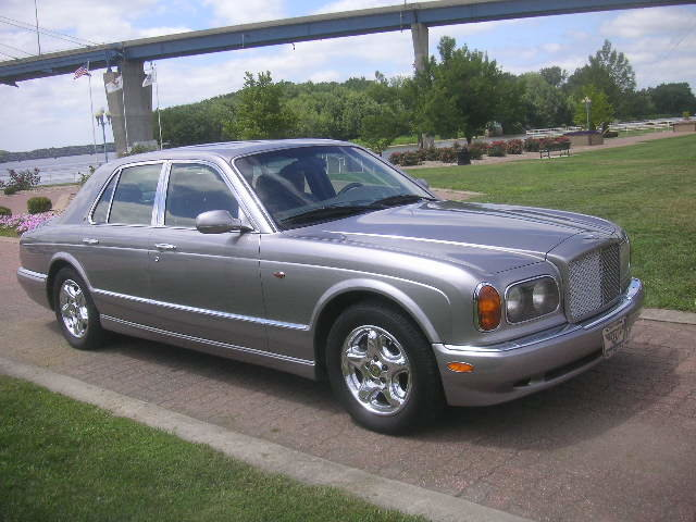 1999 Bentley Arnage 4dr Sedan with 29,000 original miles For Sale (picture 1 of 6)