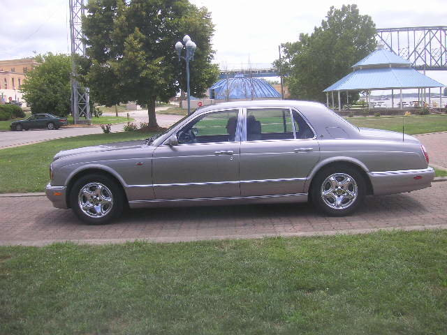 1999 Bentley Arnage 4dr Sedan with 29,000 original miles For Sale (picture 3 of 6)