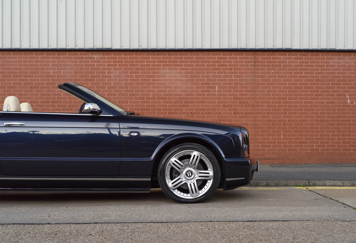 2006 Bentley Azure Convertible (RHD) For Sale (picture 11 of 23)