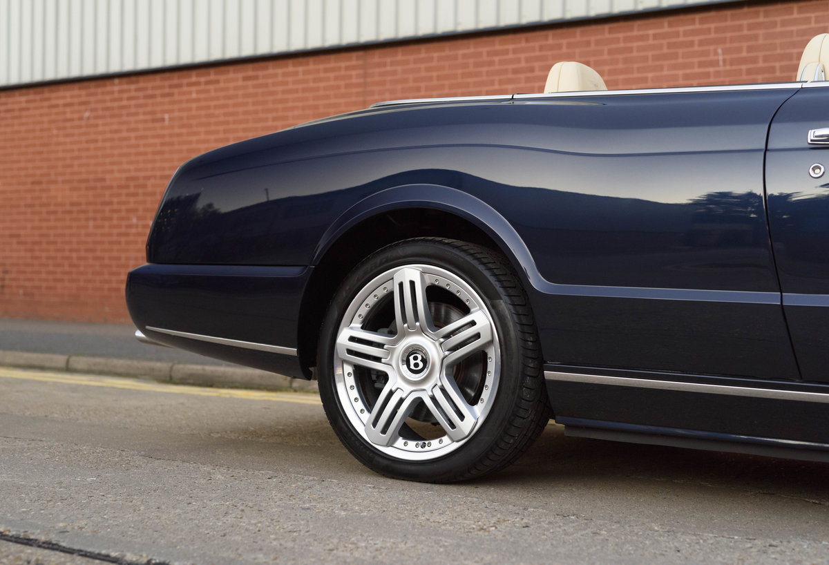 2006 Bentley Azure Convertible (RHD) For Sale (picture 12 of 23)