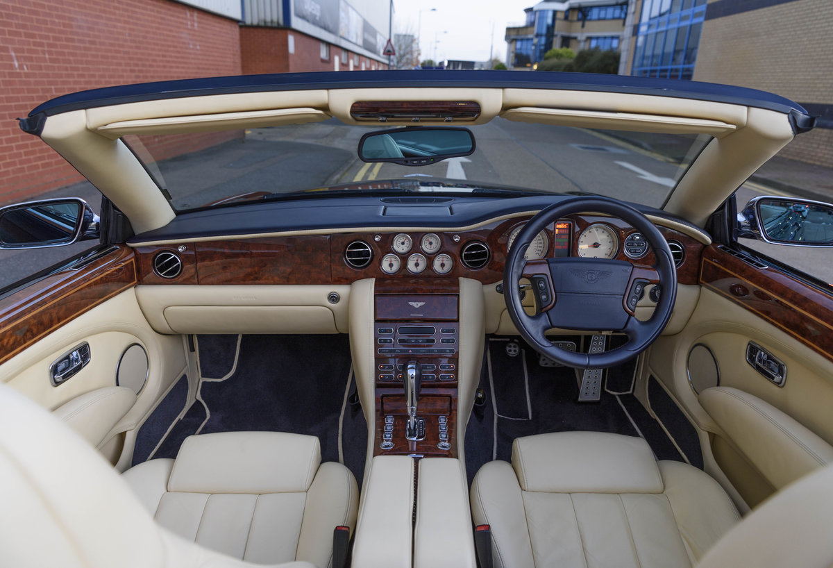 2006 Bentley Azure Convertible (RHD) For Sale (picture 13 of 23)