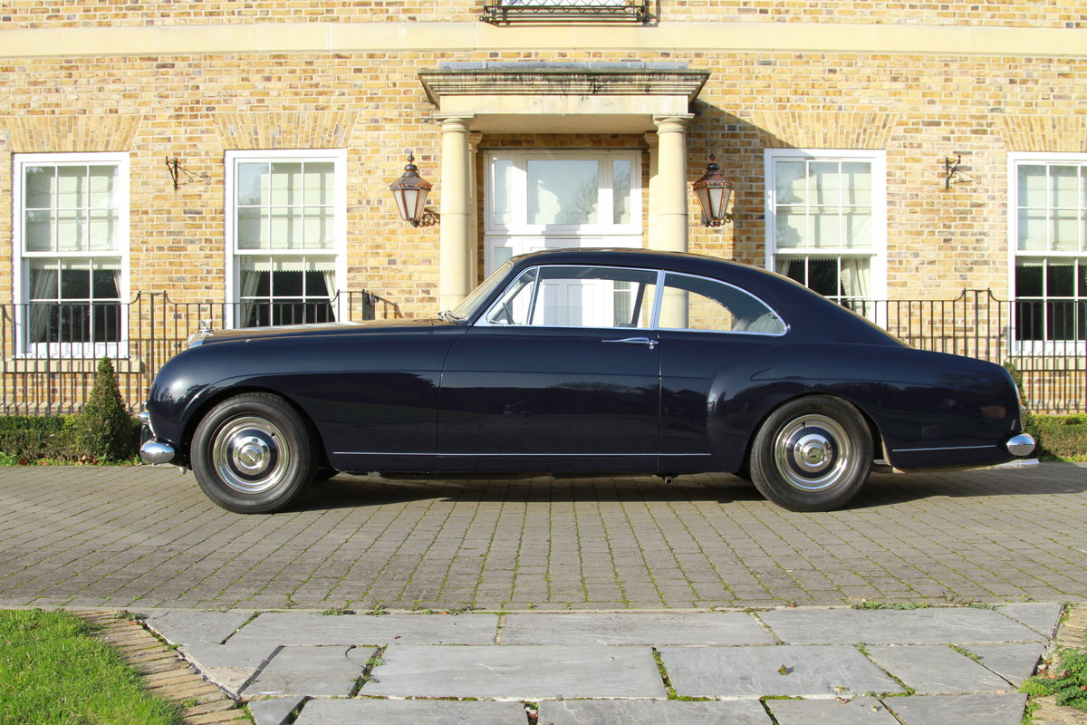 1957 Bentley S1 Continental Fastback by H.J Mulliner For Sale (picture 3 of 6)