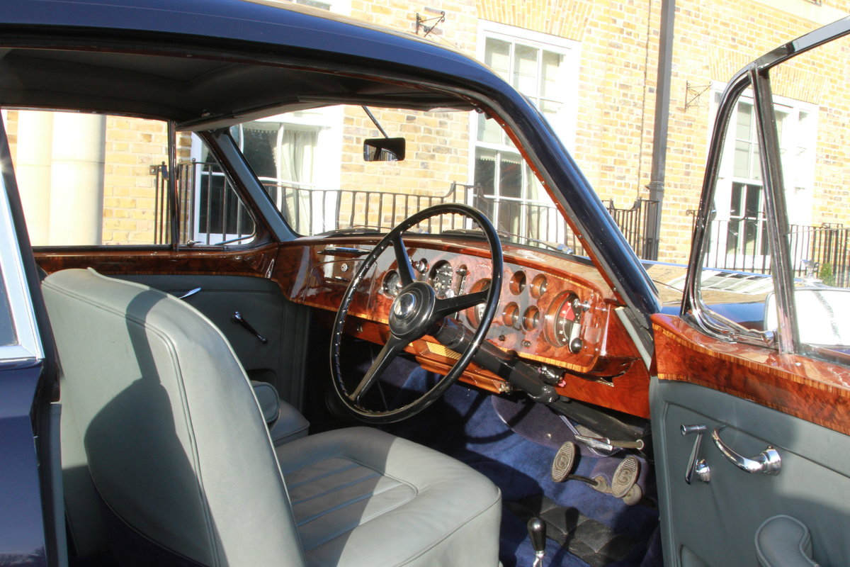 1957 Bentley S1 Continental Fastback by H.J Mulliner For Sale (picture 5 of 6)