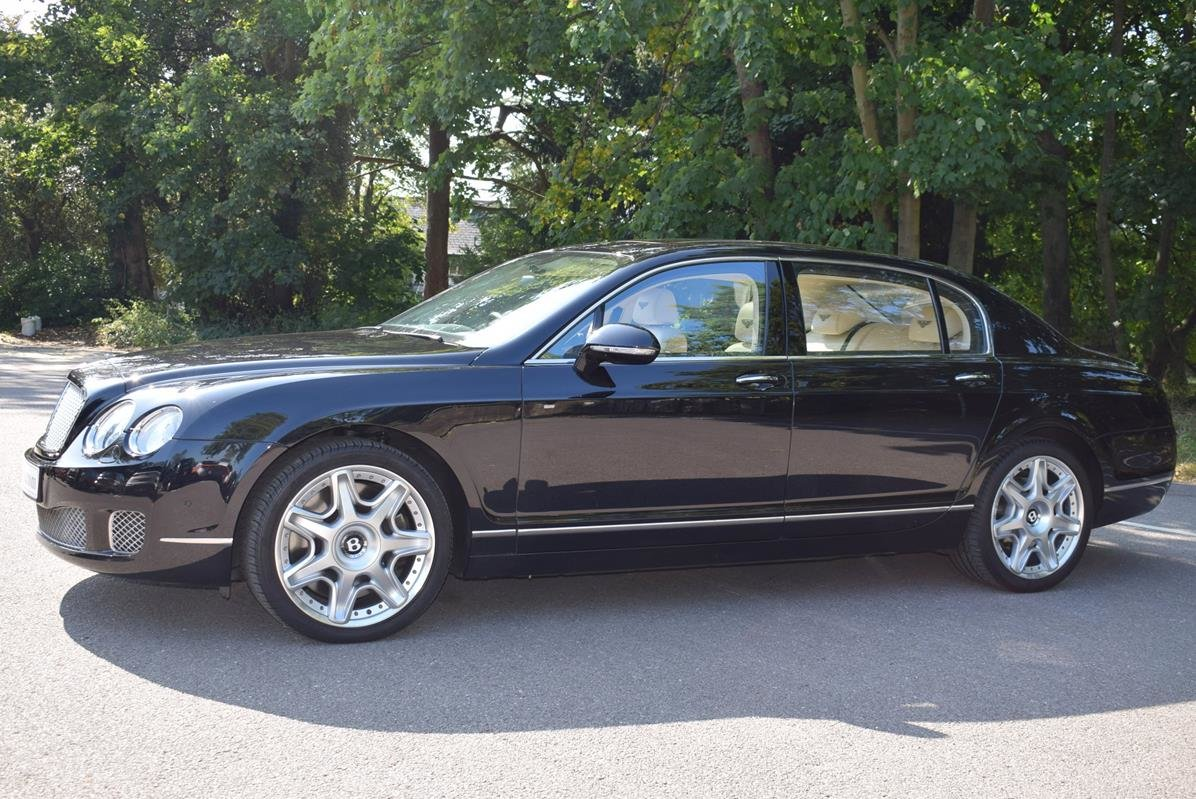 2010/60 Bentley Flying Spur Mulliner in Onyx For Sale (picture 4 of 6)