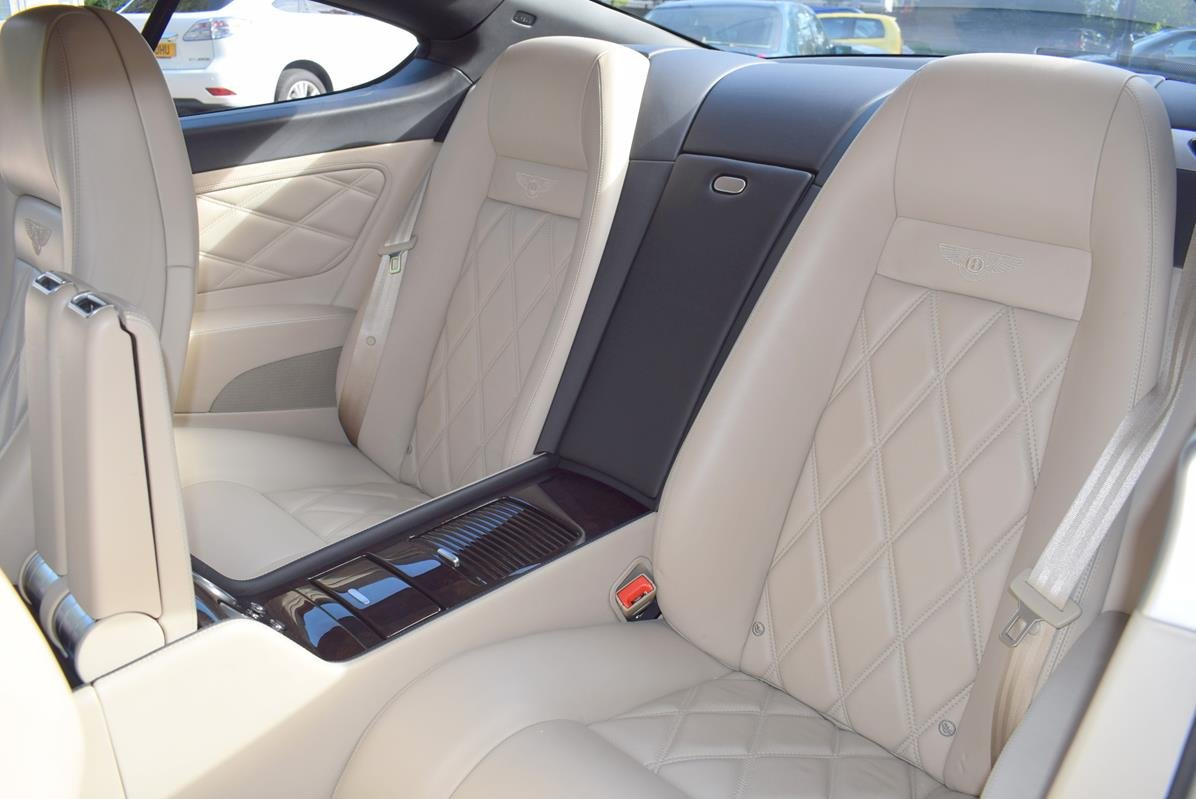 2009/09 Bentley Continental GT Speed in Diamond Black For Sale (picture 3 of 6)
