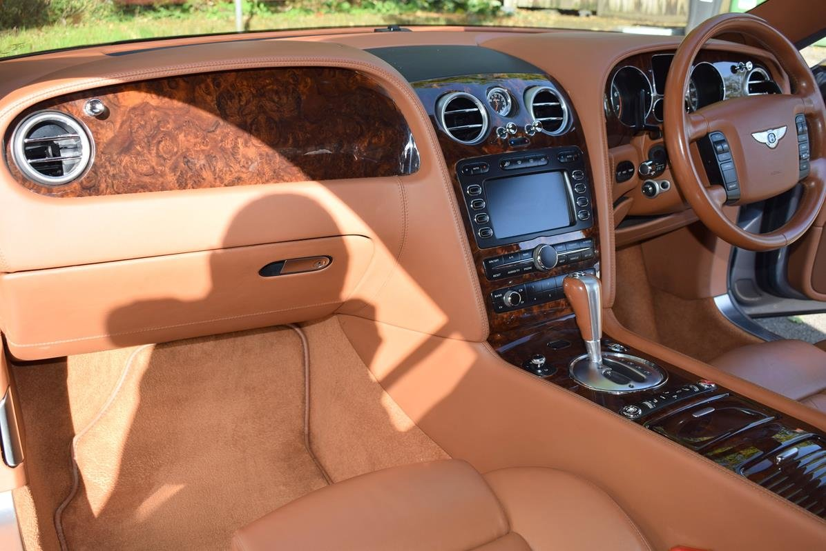 2005/55 Bentley Continental GT in Silver Tempest For Sale (picture 2 of 6)