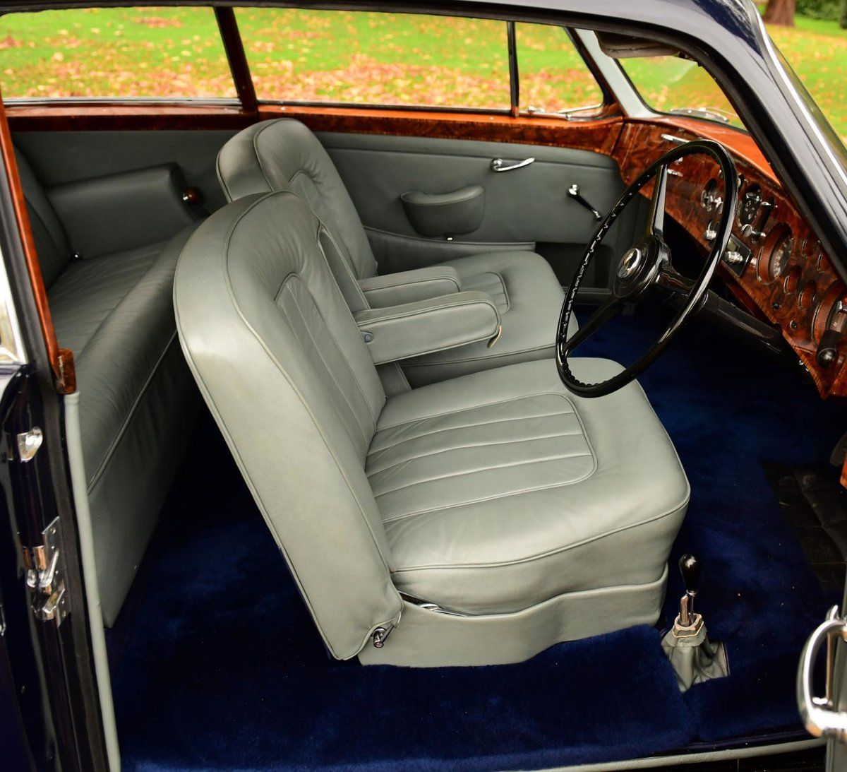 1957 BENTLEY S1 CONTINENTAL MANUAL FASTBACK BY H.J. MULLINER For Sale (picture 4 of 6)