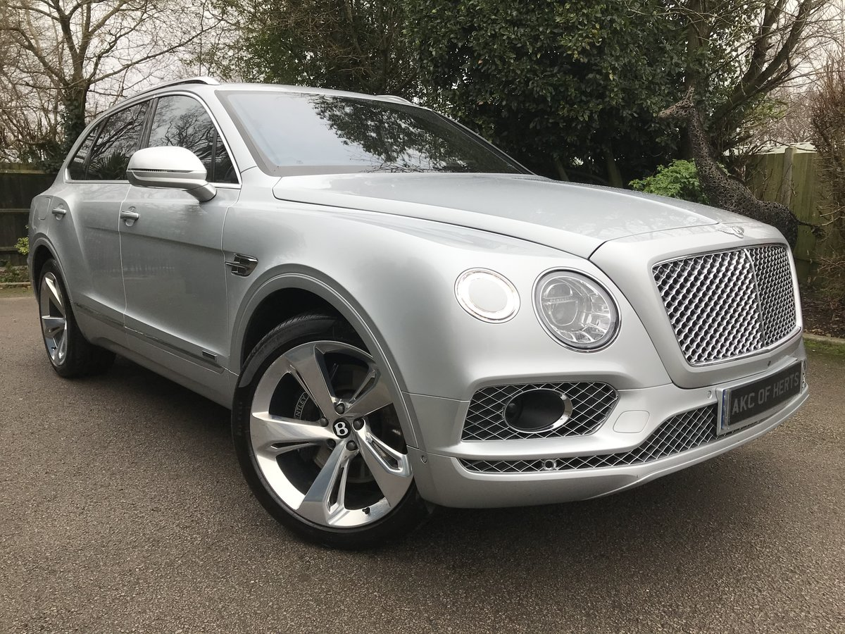 2018 Bentley Bentayga 4.0d V8 Auto 4WD (s/s) 5dr 5 Seat For Sale (picture 1 of 12)