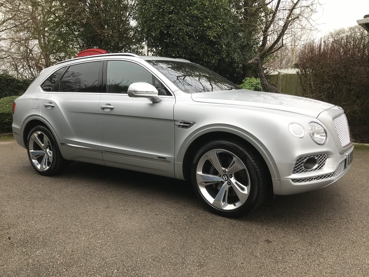 2018 Bentley Bentayga 4.0d V8 Auto 4WD (s/s) 5dr 5 Seat For Sale (picture 2 of 12)