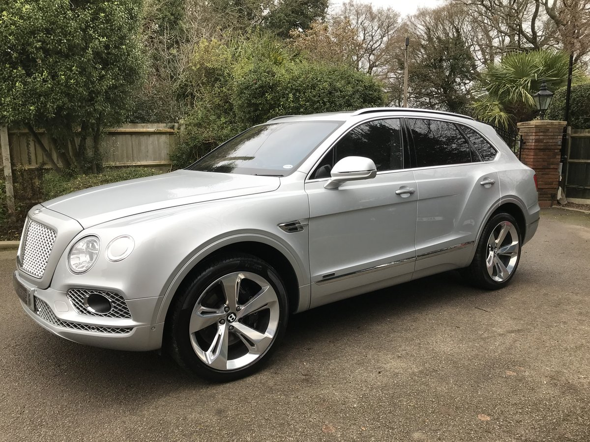2018 Bentley Bentayga 4.0d V8 Auto 4WD (s/s) 5dr 5 Seat For Sale (picture 4 of 12)