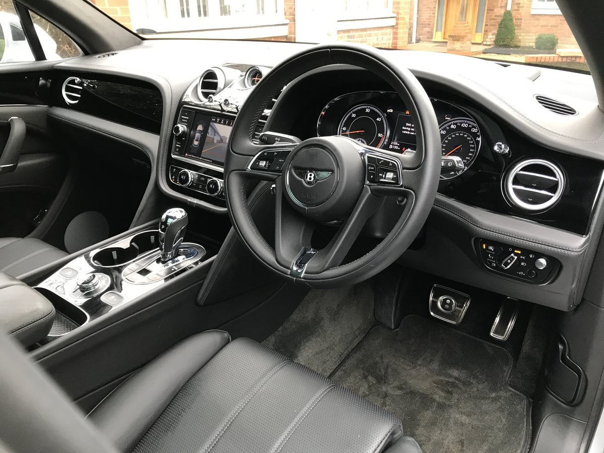 2018 Bentley Bentayga 4.0d V8 Auto 4WD (s/s) 5dr 5 Seat For Sale (picture 8 of 12)