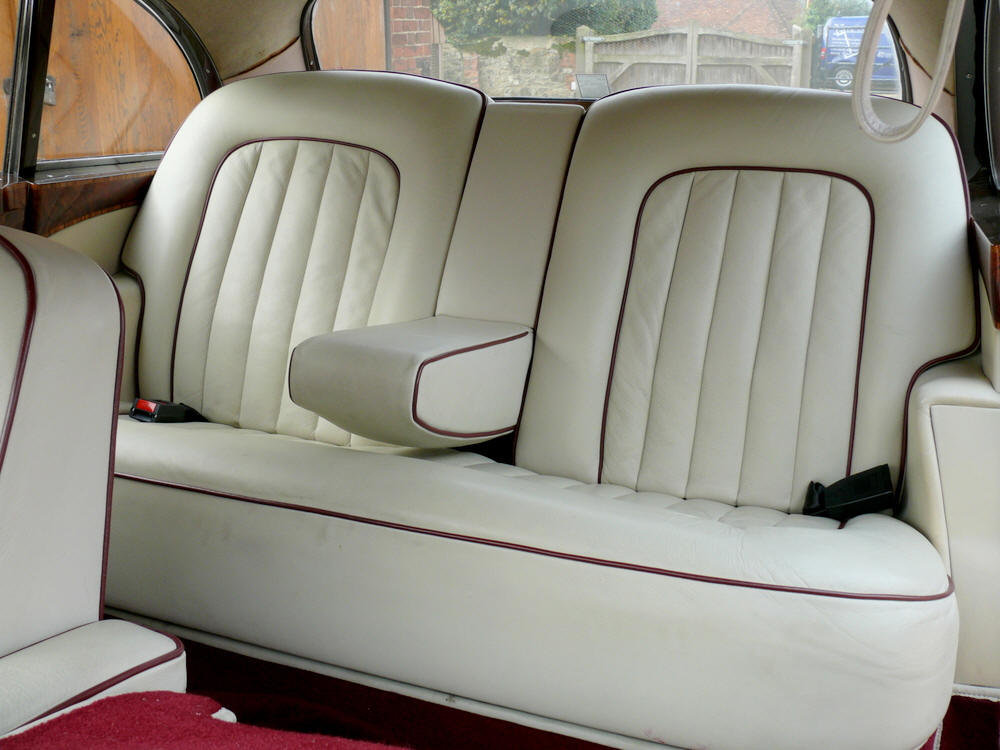 1961 Bentley S2 Continental Flying Spur by H.J Mulliner For Sale (picture 9 of 12)