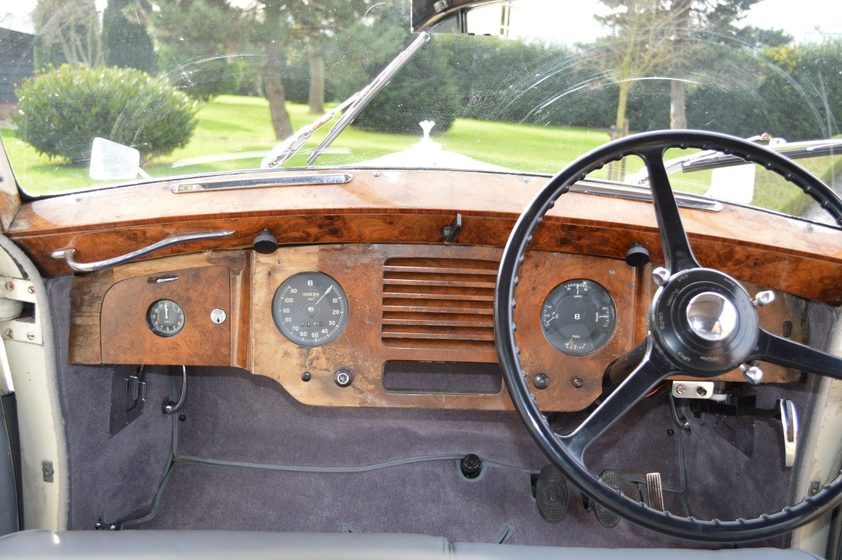 1952 Bentley Mk VI saloon by James Young For Sale (picture 6 of 12)
