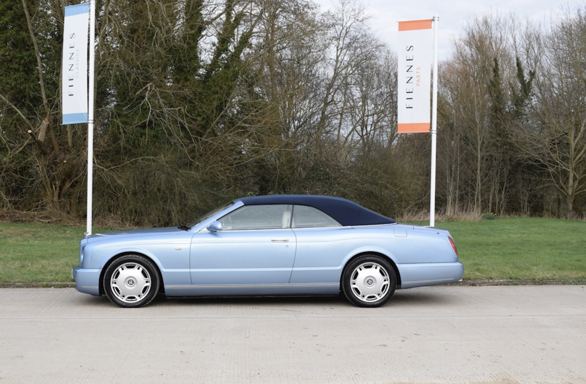2008 Award-winning Bentley Azure Convertible For Sale (picture 3 of 8)