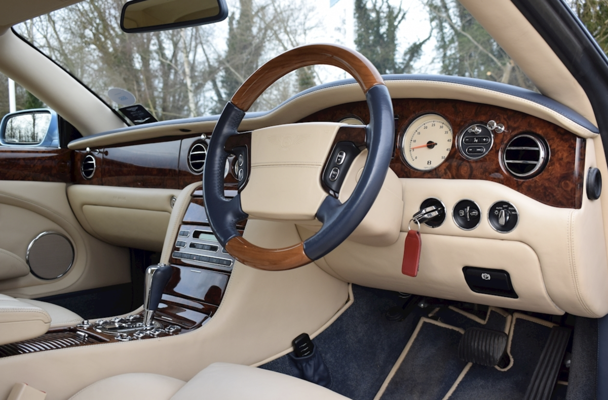 2008 Award-winning Bentley Azure Convertible For Sale (picture 5 of 8)
