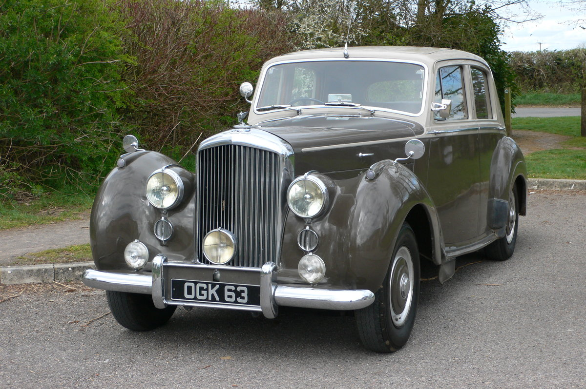 1953 Bentley R-Type Standard Steel Saloon For Sale by Auction (picture 1 of 12)
