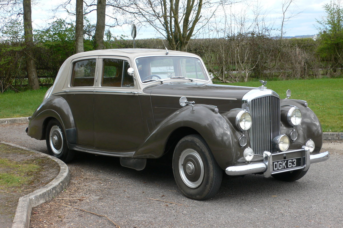 1953 Bentley R-Type Standard Steel Saloon For Sale by Auction (picture 3 of 12)