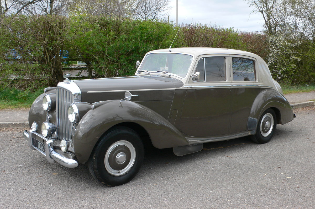 1953 Bentley R-Type Standard Steel Saloon For Sale by Auction (picture 4 of 12)