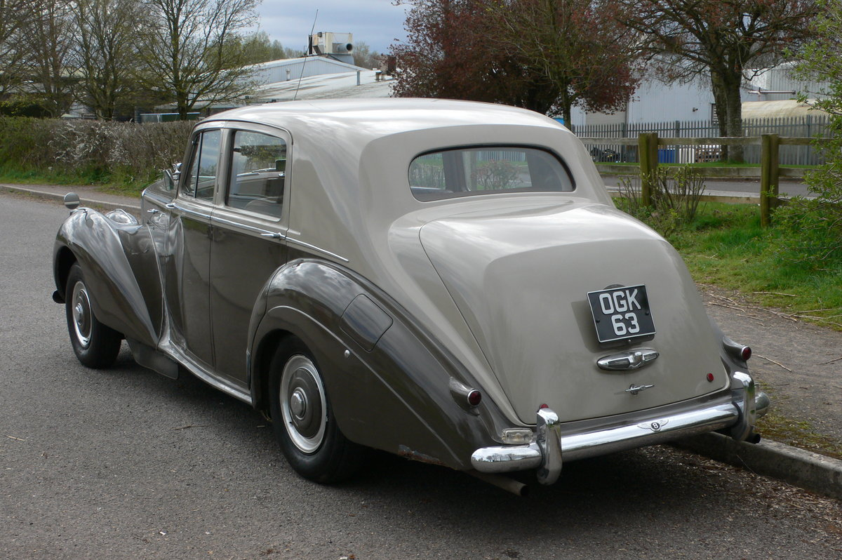 1953 Bentley R-Type Standard Steel Saloon For Sale by Auction (picture 5 of 12)