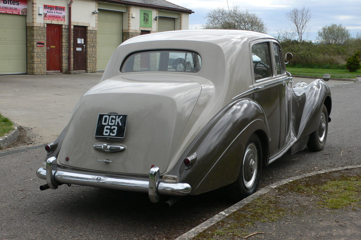 1953 Bentley R-Type Standard Steel Saloon For Sale by Auction (picture 6 of 12)