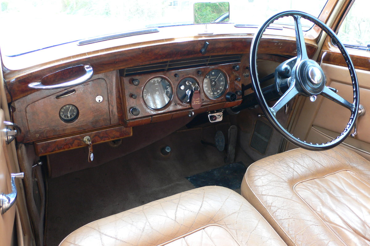1953 Bentley R-Type Standard Steel Saloon For Sale by Auction (picture 7 of 12)