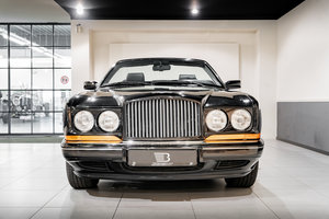 Picture of 1996 Elegant Bentley Azure in the perfect colour combination For Sale