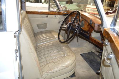 1956 Bentley S1 / Freestone & Webb For Sale (picture 3 of 6)