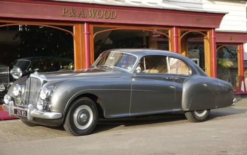 Bentley R-Type Continental 1954 Fastback by H.J. Mulliner For Sale (picture 1 of 3)