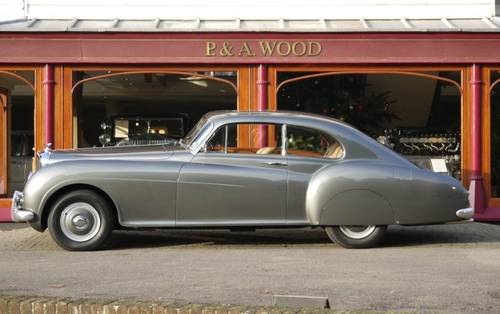 Bentley R-Type Continental 1954 Fastback by H.J. Mulliner For Sale (picture 2 of 3)