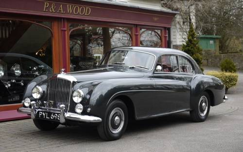 Bentley R-Type Continental 1955 Fastback by H.J. Mulliner For Sale (picture 1 of 3)
