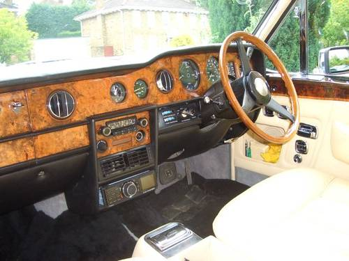 1976 Rolls-Royce / Bentley Corniche Series 1A SOLD (picture 2 of 6)
