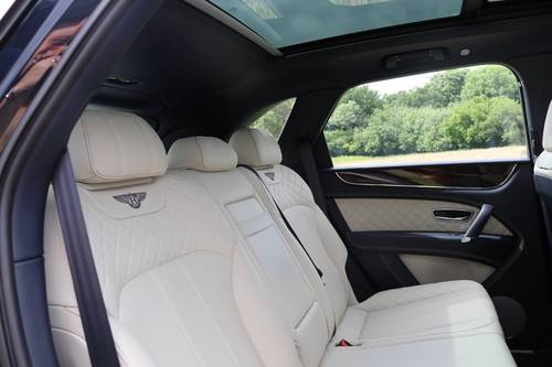 2016 BENTLEY BENTAYGA W12 For Sale (picture 4 of 6)