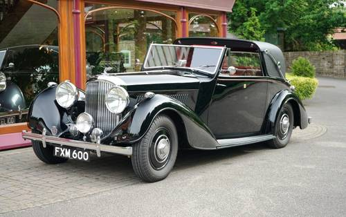 Bentley 4¼ Litre MX 1939 Sedanca Coupé by Thrupp & Maberly For Sale (picture 1 of 3)