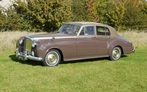 Bentley S2 1962 Standard Saloon For Sale (picture 1 of 3)