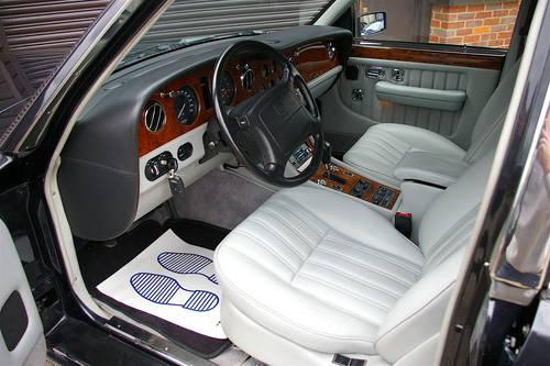 1998 Bentley Brooklands 6.8 LPT LWB (36,924 miles) SOLD (picture 4 of 6)