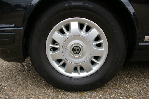 1998 Bentley Brooklands 6.8 LPT LWB (36,924 miles) SOLD (picture 6 of 6)
