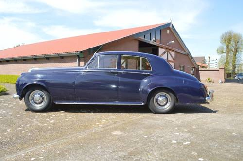 1959 Bentley S1 saloon For Sale (picture 2 of 6)
