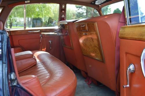 1959 Bentley S1 saloon For Sale (picture 5 of 6)