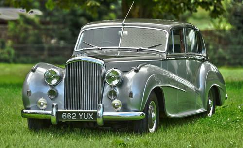 1951 Bentley MK VI H.J. Mulliner 'Lightweight' Saloon For Sale (picture 1 of 6)