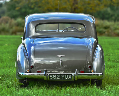 1951 Bentley MK VI H.J. Mulliner 'Lightweight' Saloon For Sale (picture 3 of 6)