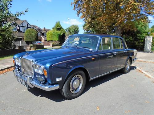 Bentley T Series. 1973 L Reg. Stunning Colour Combination SOLD (picture 1 of 6)
