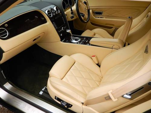 2008 STUNNING GTC rarely found in BRG with Magnolia -- Mulliner  SOLD (picture 2 of 6)